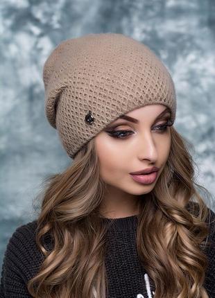Вязаная женская шапка на флисе