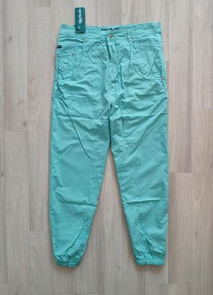 Красивые брюки размер 28 высокая посадка