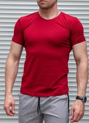 Мужская футболка красная однотонная