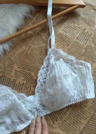 Белый кружевной бюстгальтер с мягкими чашками / лиф тканевый