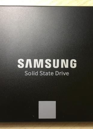Накопичувач SSD диск Samsung 850 EVO обсяг 500Gb (3D V-NAND)