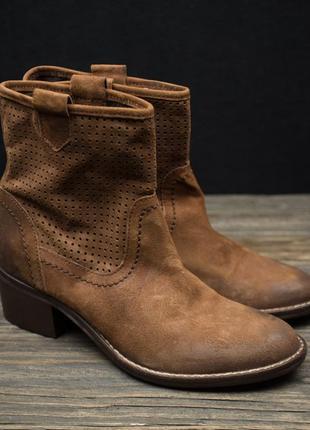 Женские модные ковбойки козачки ботинки andre р-40
