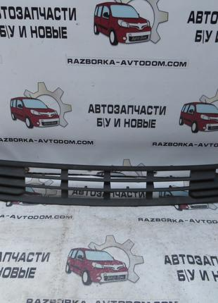 Решетка в бампер передний Ford Mondeo (1993-1996) OE:93BB17B968