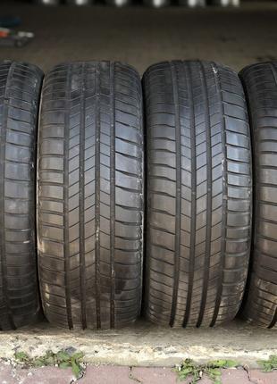Летняя резина 215/55 R17 94V.  Bridgestone Turanza T005.