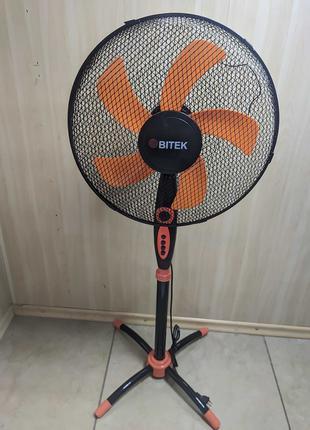 Вентилятор напольный fan с автоповоротом черный с оранжевым