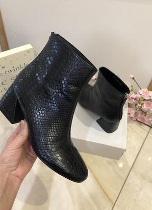 Очень классные, удобные, стильные ботинки под рептилию, осенни...