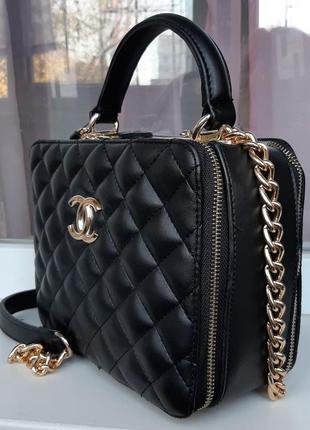 Стильная сумка в стиле chanel.
