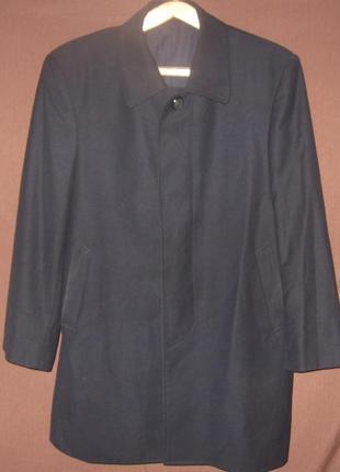 Мужское чёрное демисезонное пальто. классическое. бюджетно