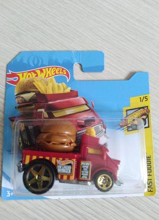 Машинка. бургер. хот вилс. гамбургер