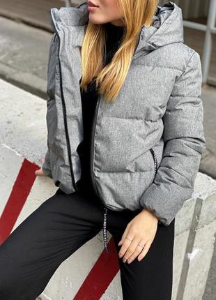 Шикарная куртка с капюшоном