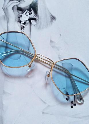 Солнцезащитные очки ромб с цветной линзой голубой