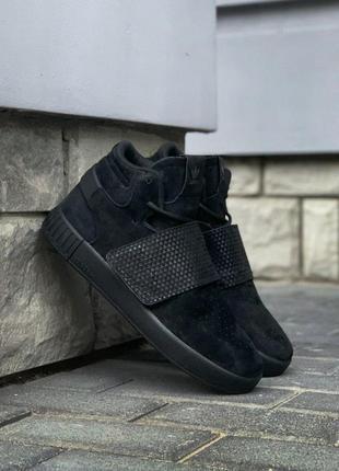Шикарные мужские кроссовки adidas tubular invader strap core b...