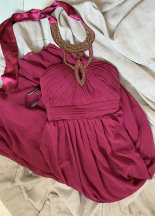 Вечернее платье цвета марсала расшито бисером