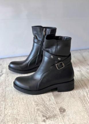 Зимние кожаные ботинки полусапоги