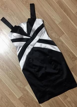 Вечернее платье по фигуре в актуальном чёрно- белом цвете
