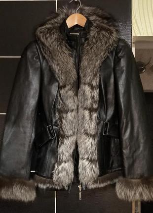 Фирменная натуральная кожаная куртка с мехом чернобурки blumar...