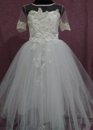 Нарядное детское платье белое