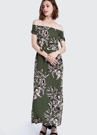 Платье сарафан макси открытые спущенные плечи хаки цветы на поясе