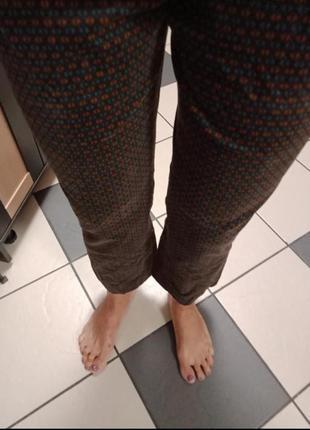 Велюровые укороченные джинсы