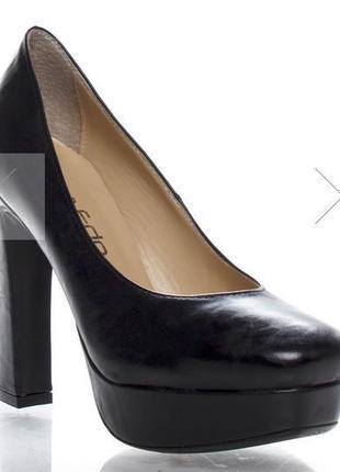 La edo новые кожаные туфли
