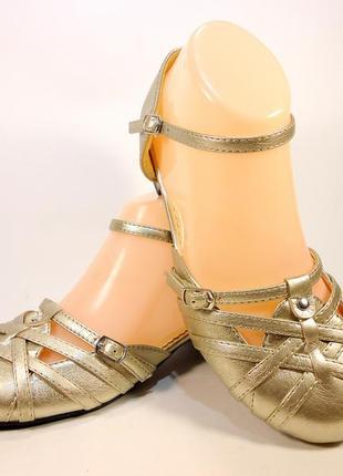 Босоножки сандалии женские с закрытым носком и пяткой. размер ...