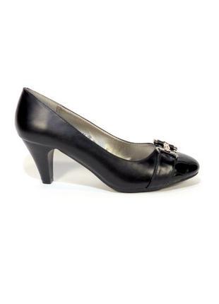 Туфли женские, лодочки, на устойчивом каблуке. размер 36-40.