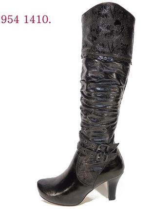 Сапоги женские демисезонные на каблуке, лакированные. размер 3...