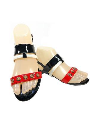 Босоножки - сандалии женские, лаковые, черные, модные.