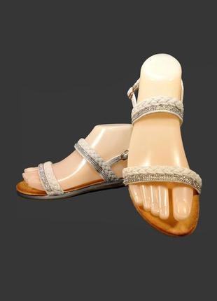 Босоножки сандалии женские замшевые, нарядные и модные.