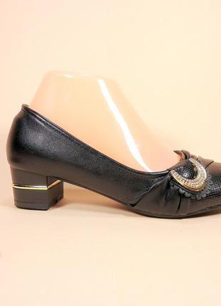 Туфли женские на каблучке. размеры 36-41.