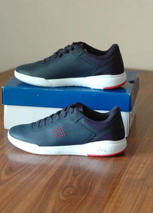 Продам новые оригинальные кроссовки французской фирмы tbs,  43...