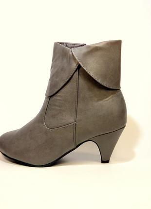 Ботинки-полусапожки женские демисезонные серые и черные. разме...