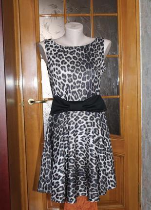 Платье из плотной ткани evita
