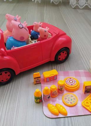 """Игровой набор """"Свинка Пеппа и ее семья едут на пикник"""""""