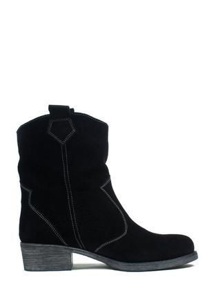 Замшевые женские черные демисезонные ботинки казаки с широким ...