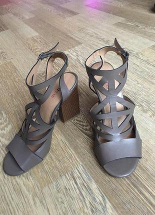 Туфли босоножки justfab