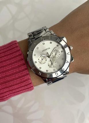 Женские наручные металлические часы женева geneva со стразами ...