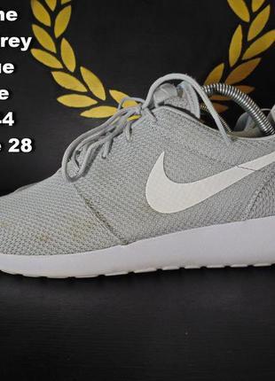 Nike roshe run. кроссовки.размер 44