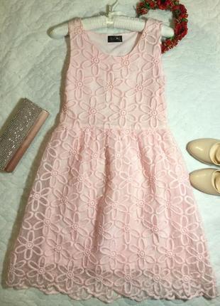 Платье пудрового цвета с вышивкой на органзе clubl 10 размер