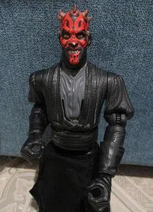 Персонаж из звездных воин Дарт Мол