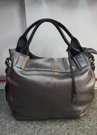 Вместительная женская сумка из натуральной кожи