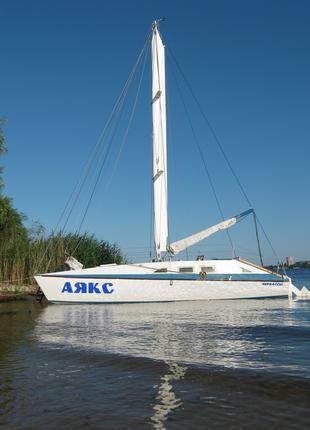 Аренда яхты Аякс в Черкассах, отдых на яхте по Днепру
