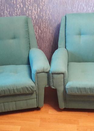 Перетяжка мягкой мебели, стульев, кухонных уголков и прочее.