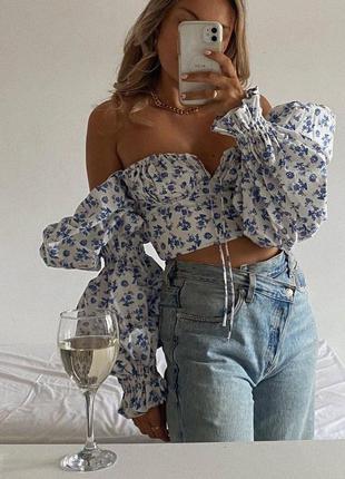 Блуза цветочная белая