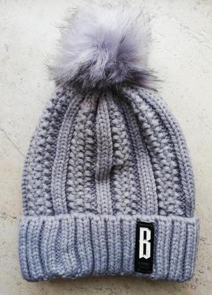 Зимняя шапка с балабоном, серая