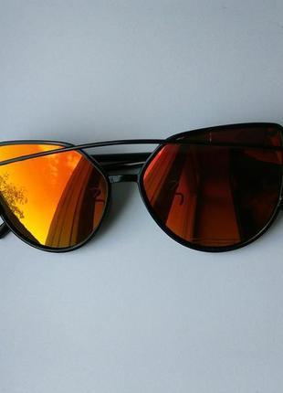 Стильные очки, красно-желтые