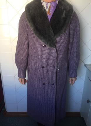 Зимнее женское пальто новое.