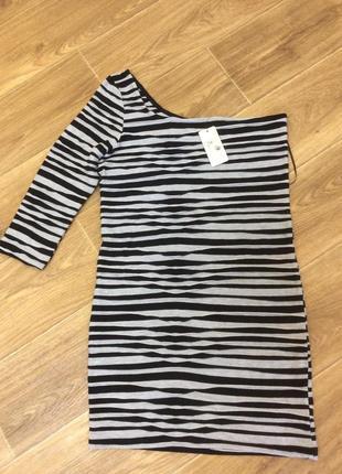 Платье туника новая в полосочку с оголенным плечом