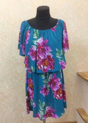 Красивое платье в цветы