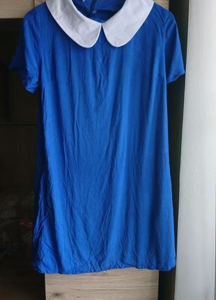 Стильное  синее платье с белым воротником zirano